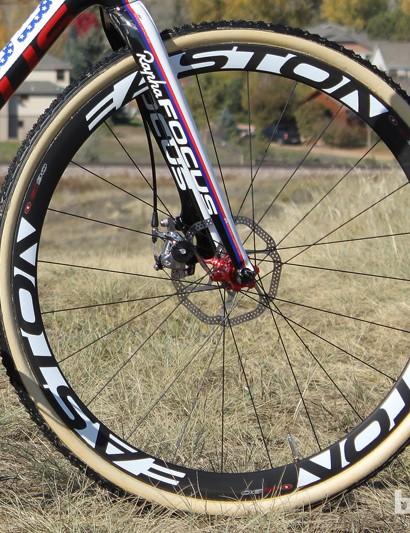 Powers' custom wheels use tubular Easton EC90 laced to 24-hole Easton M1 disc hubs