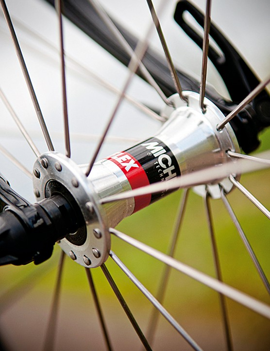 Miche hubs and gears continue the Italian theme
