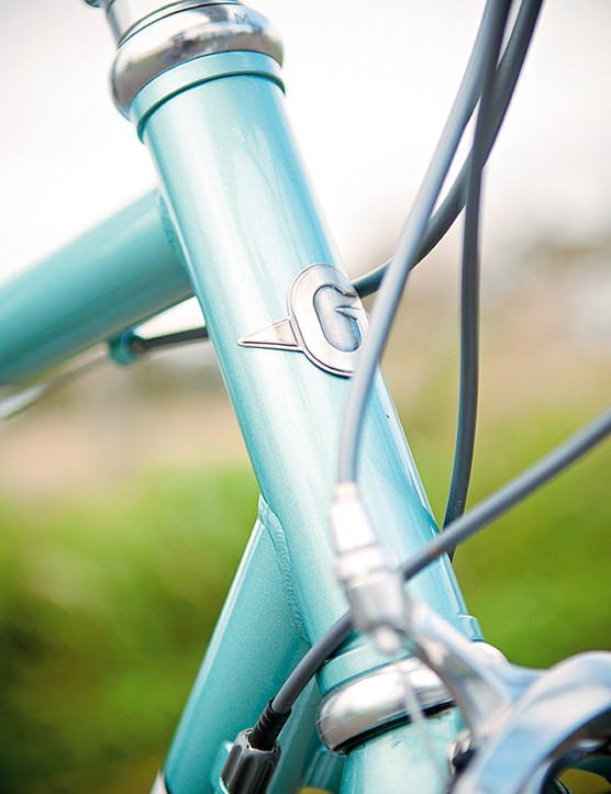 Slender steel tubes give the Genesis a distinctly springy feel