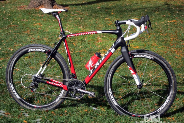 Todd Wells (Specialized) made the switch to a carbon fiber frame this season