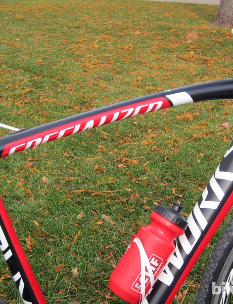 The curved top tube is very flattened on the underside to ease the pain of shouldering