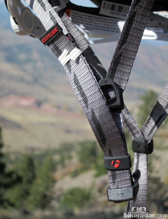 The Specter XR has generously long straps with neatly finished ends. However, those ends can't be reinstalled if you need to trim the straps down