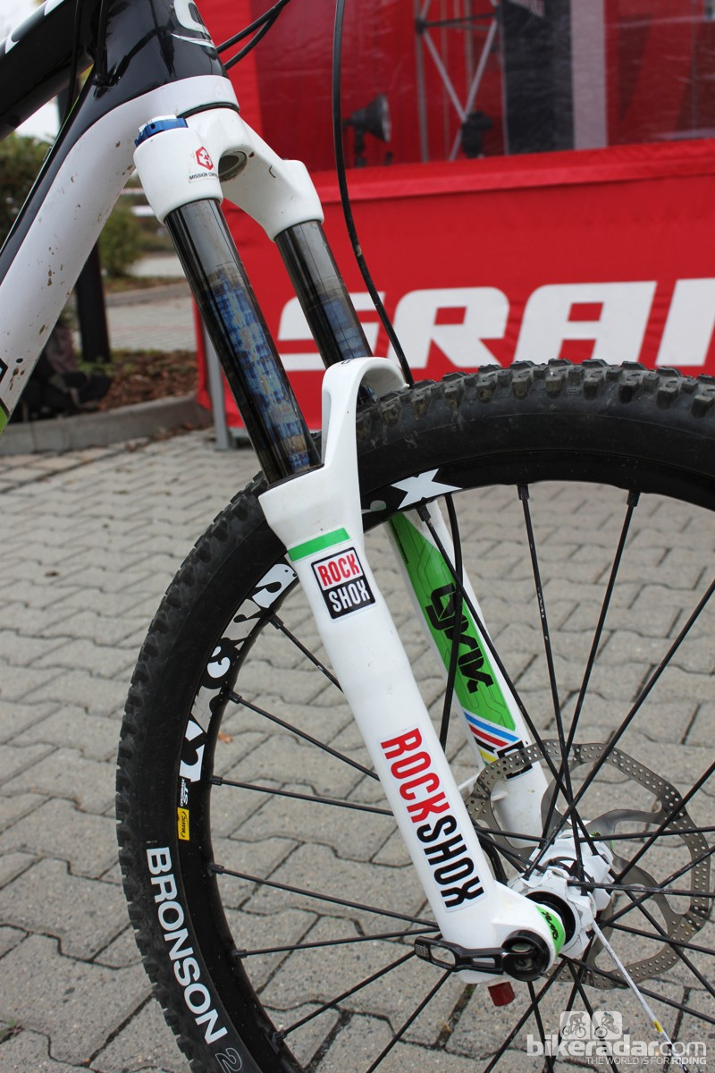 The Lyrik's stanchions have a special coating that reduces friction. Unfortunately, it's not durable enough for consumer use. A similar, longer-lasting surface treatment could be found onRockShox's production forks in the near future
