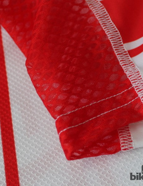 The CL1 Summer jersey features three fabrics: Eschler open mesh under the arms and on the sides, stretch aero on the front, and a tighter mesh on the back