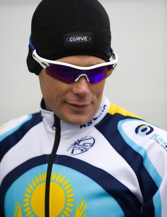 Chris Horner in a Curve winter hat