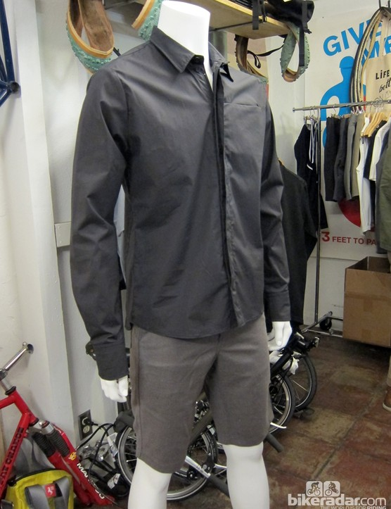Commuting to work? Running some errands on your townie? Going for a two-hour spin along the coast? Supposedly the Giro New Road clothing can do it all
