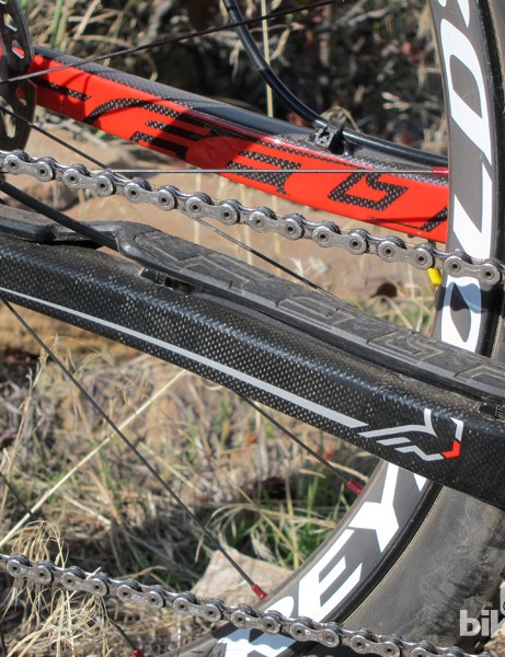 The raised, molded plastic chain stay protector is very effective, but like the cable routing it's a visually inelegant solution