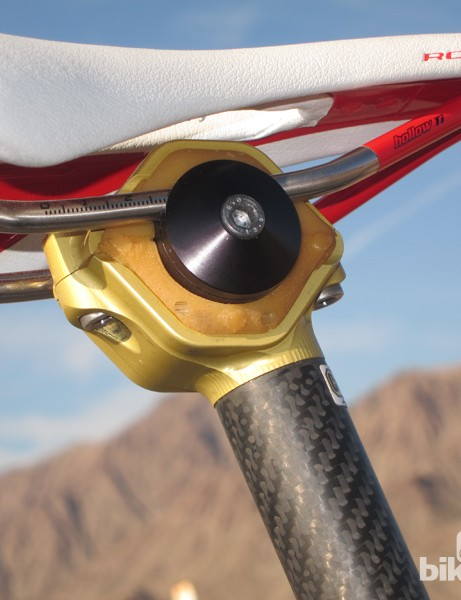 The secret to the Cantitoe Road BioFloat seatpost is the elastomer insert, which isolates the saddle from the rest of the seatpost. There's little noticeable movement but a remarkable amount of vibration damping