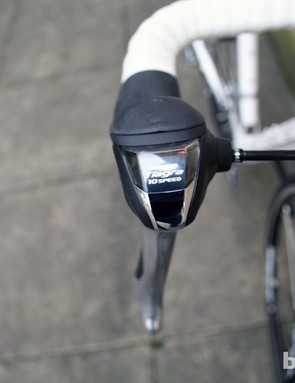 Shimano Tiagra shifters on the Verenti Belief