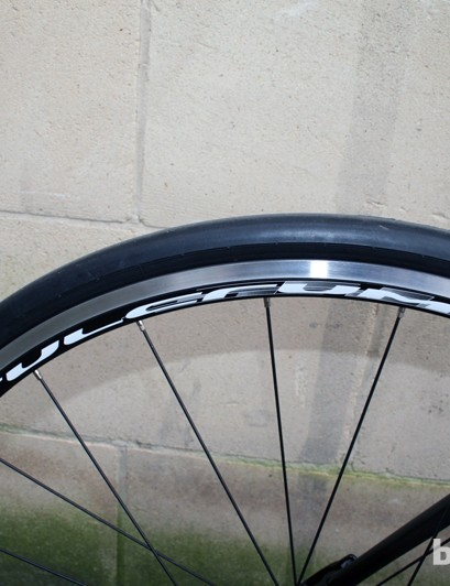 Vredestein Fortezza tyres on Fulcrum Racing 7 wheels, on the Verenti Insight