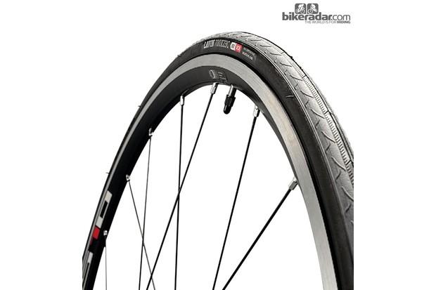 Onza Lavin winter training tyre