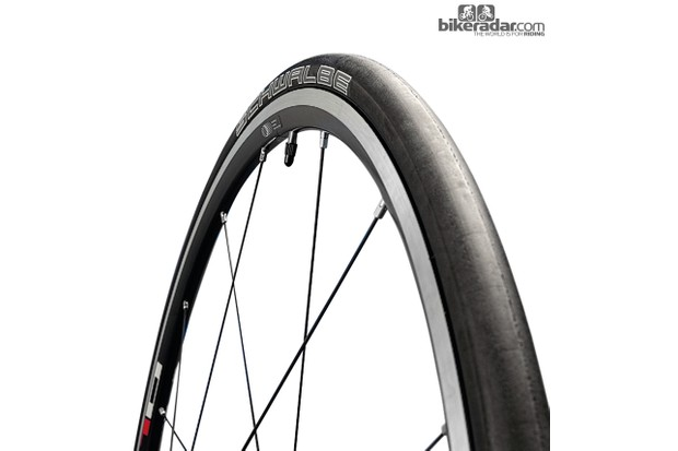 Schwalbe Ultremo DD winter training tyre