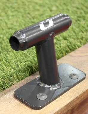 Küat now offeres their simple Dirt Bag fork-mounts in 15mm (pictured) and 20mm thru-axle versions