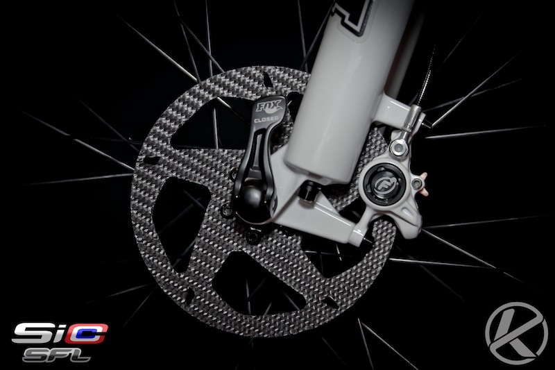 The one-piece SiCCC rotor is constructed entirely of silicone carbide, ceramic and carbon material used for the braking track