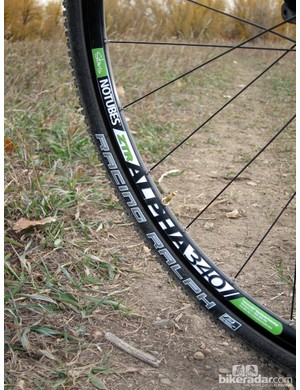 We had no issues converting the stock Stan's NoTubes ZTR Alpha 340 Disc wheels to tubeless use, although tighter-fitting tires would have given us more confidence for running truly low pressures