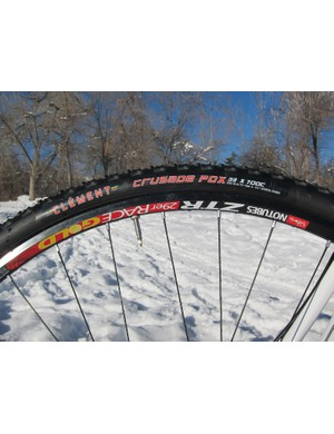 Tubeless cyclocross setups are notoriously finicky but we had excellent luck with the tight-fitting Stan's NoTubes ZTR Race Gold 29er wheels and both Clement and Kenda tires. We ran pressures as low as 23psi during testing