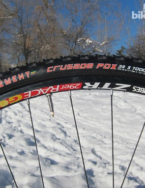The growth of 29er mountain bikes and increasing acceptance of the Road Tubeless standard have provided the cyclocross crowd with a greater number of good tubeless rim options