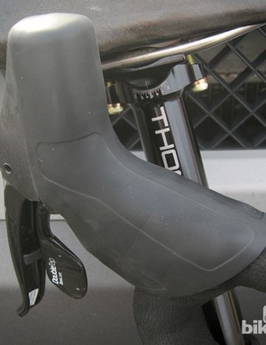 While the current SRAM Red lever hoods are textured, this version of the hydraulic levers is smooth