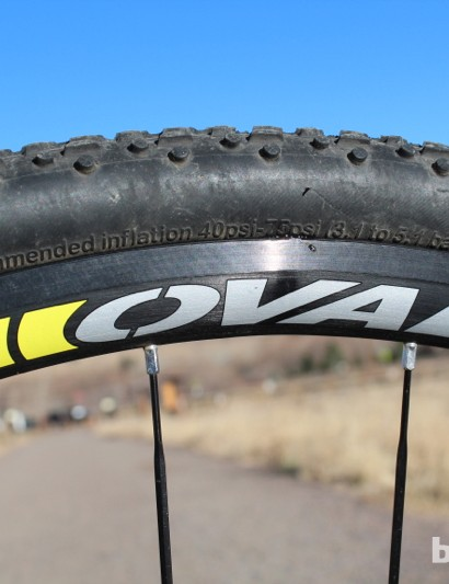 Oval is Fuji's house brand. The 327 CX wheels weigh 1,880g without skewers, rotors or rim strips