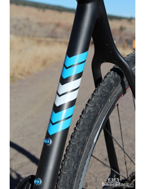 The wide but thin seat stays offer good mud clearance