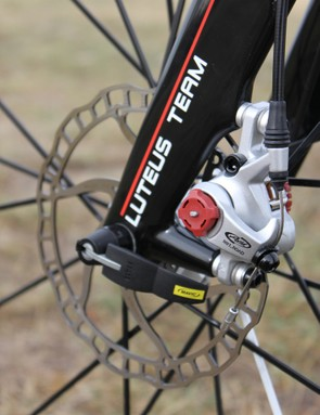 Avid's BB7 mechanical disc brakes provided ample stopping power