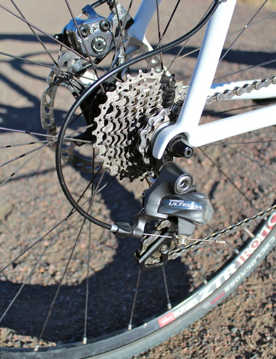 Ibis offers Shimano Ultegra and SRAM Rival build kits for the Hakkalügi Disc