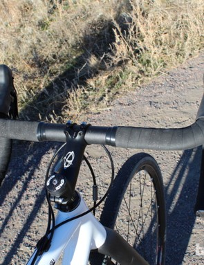 Our 55cm test bike came with 44cm Ibis handlebars, which feature a thick, semi-flat top