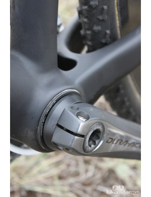 A Wheels Manufacturing adapter is used to mate the 24mm Shimano spindle to the frame's PF30 bottom bracket shell
