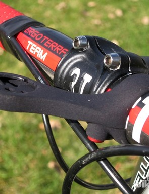 The Design Cycles FlipLoc offers up yet another aftermarket alternative to the standard Garmin Edge 200/500 mount