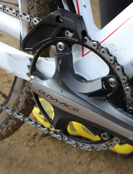 Gould alternates between a single or double chain ring setup, depending on the course and conditions. Her guide of choice is a direct-mount version of e*thirteen's XCX guide