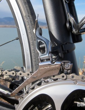 The extra-long arm and revised cable-pull geometry on the new Shimano Dura-Ace 9000 front derailleur increases initial lever effort slightly but dramatically decreases the overall throw required