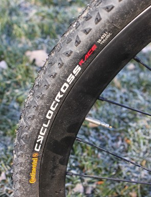 For hardbacked courses, the stock Continental tires worked well, with very low rolling resistance