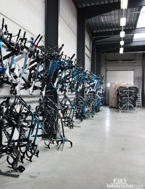 Inside the Team Sky service course