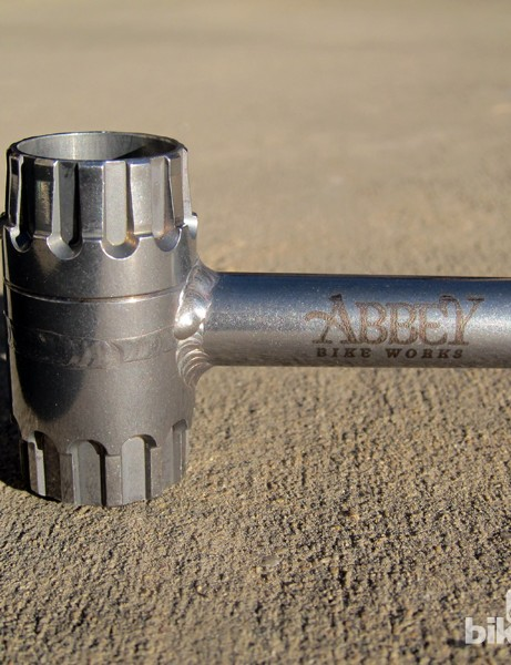 The reversible head of the standard Abbey Bike Works Crombie is designed to work on both Shimano/SRAM and Campagnolo cassette lockrings. Custom laser etching is available for an additional US$10