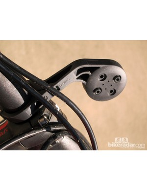 Two mounting positions for the quarter-turn interface on the new Garmin OutFront mount allow both bike-specific Edge computers and the company's outdoor-oriented models to maintain the correct orientation