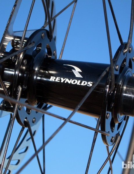The hubs roll smoothly on cartridge bearings and large-diameter aluminum axles. Reynolds doesn't advertise as such but both hubs can also be converted to thru-axle fitments