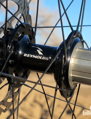 The rear hub features a 30-point, 3-pawl driver for acceptably quick engagement