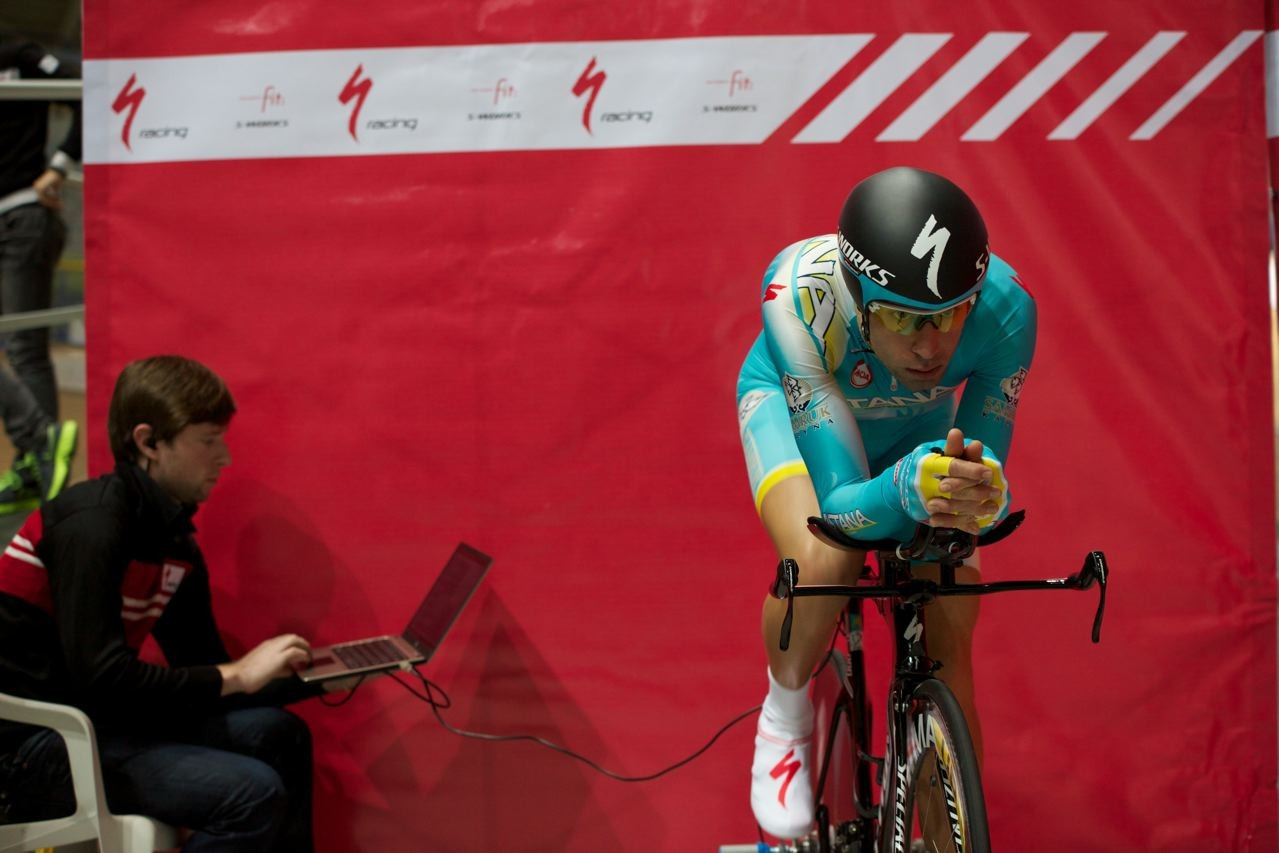 Nibali warms up and his bike position is recorded before he rides on the track