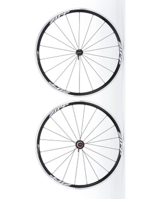 Zipp's new 30 Clincher features a 21.5mm wide and 30mm tall rim