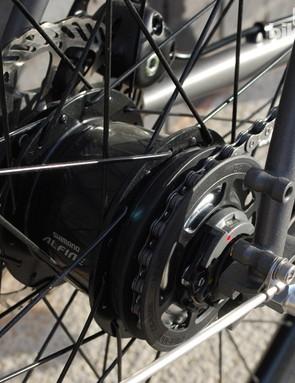 The 8-speed Alfine hub on the Creme Ristretto Solo