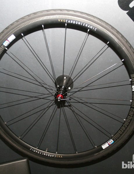 The VXS 3T is 32mm deep and has a claimed weight of 990g/pair