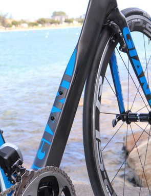 The down tube, however, has a trimmed trailing edge that's specifically designed to maintain aerodynamic performance with a water bottle in place. This also allows for a wider - and stiffer - down tube at the same time