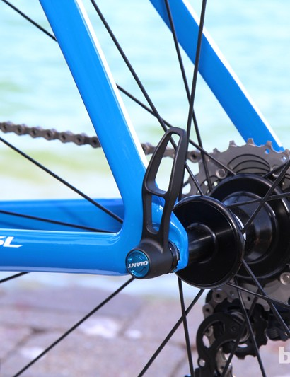 Dropouts are made of molded carbon fiber on the new Giant Propel Advanced SL and Envie Advanced. Sorry, no disc brake yet