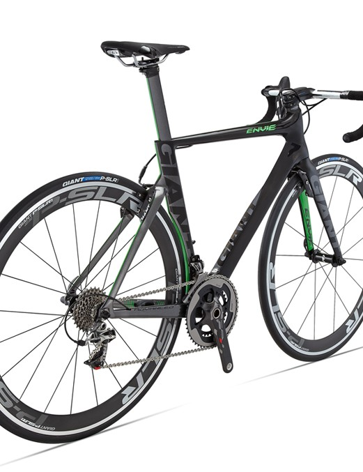 Accompanying the new Giant Propel Advanced SL is the women's-specific Liv/giant Envie Advanced, which features the same aerodynamic performance but specific geometry, ride, and handling characteristics