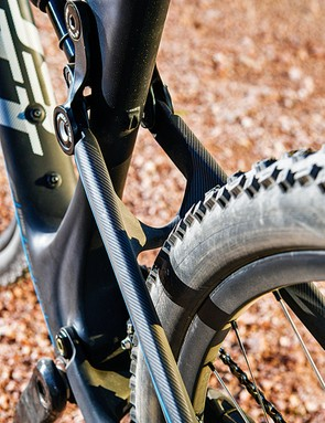 The lowered seatstay bridge leaves enough room for chunky tyres on those big wheels