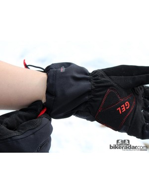 The gauntlet-style cuff seals out drafts, fits over or under jacket sleeves, and is easy to operate - just pull one tab to tighten and the other to loosen