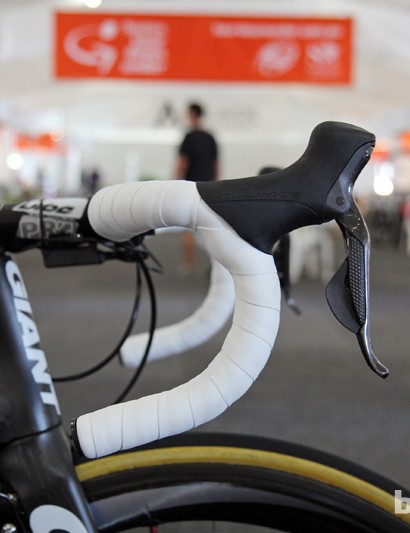 Deep drop, traditional bend PRO Vibe 7s aluminum bars (with no sprint shift buttons) for Mark Renshaw (Blanco)