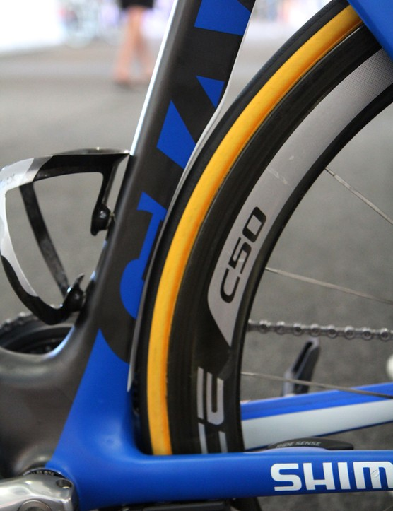 Tire clearance is very tight behind the seat tube with 25mm-wide tubulars fitted