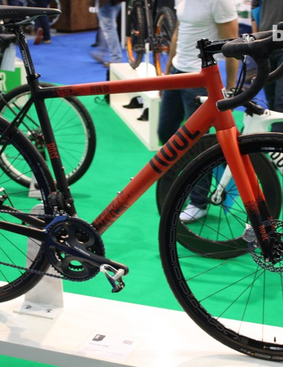 The Rose Xeon DX-3100 combines Ultegra Di2 and mechanical discs all for a smidge over £2,100