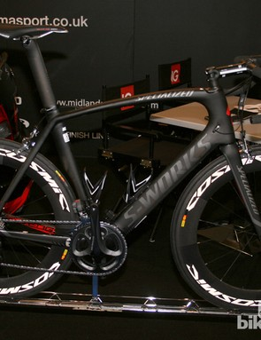 As black as Hotblack Desiato's stuntship - the Sigma Sport Specialized Venge with Mavic Cosmic wheels looks uber stealthy